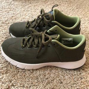 Nike Shoes - Green Nike Lunarlon (Men's 7.5 / Women's 8.5-9)
